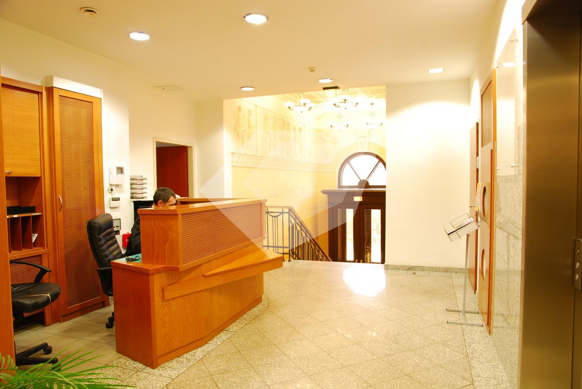 Помещение для персонала Кропоткинская коммерческая недвижимость в португалии порто